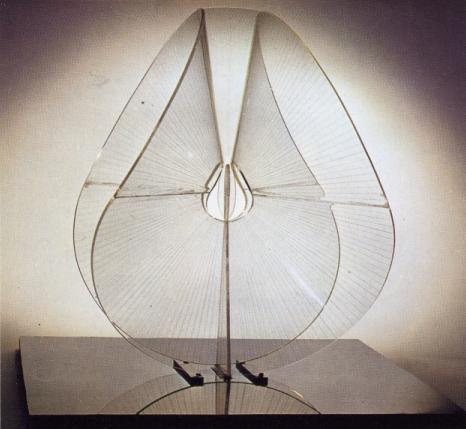 d84-variacion-translucida-sobre-un-tema-esferico-1937-gab